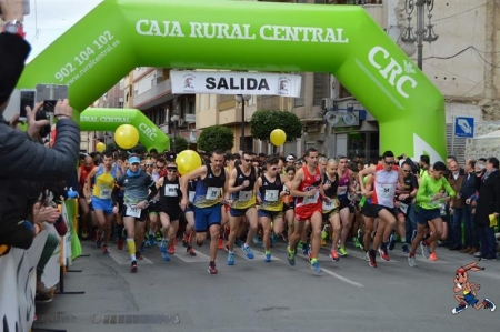 Récord en la media maratón y 8 K de Orihuela con 1895 inscritos